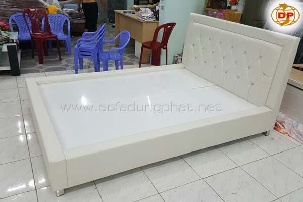 Giường Ngủ Khung Gỗ Bền Chắc DP-GN07